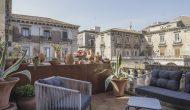 Proserpina | Terrazza - poltrone2 | Hotel-B&B | Piazza Mazzini-Centro-Catania
