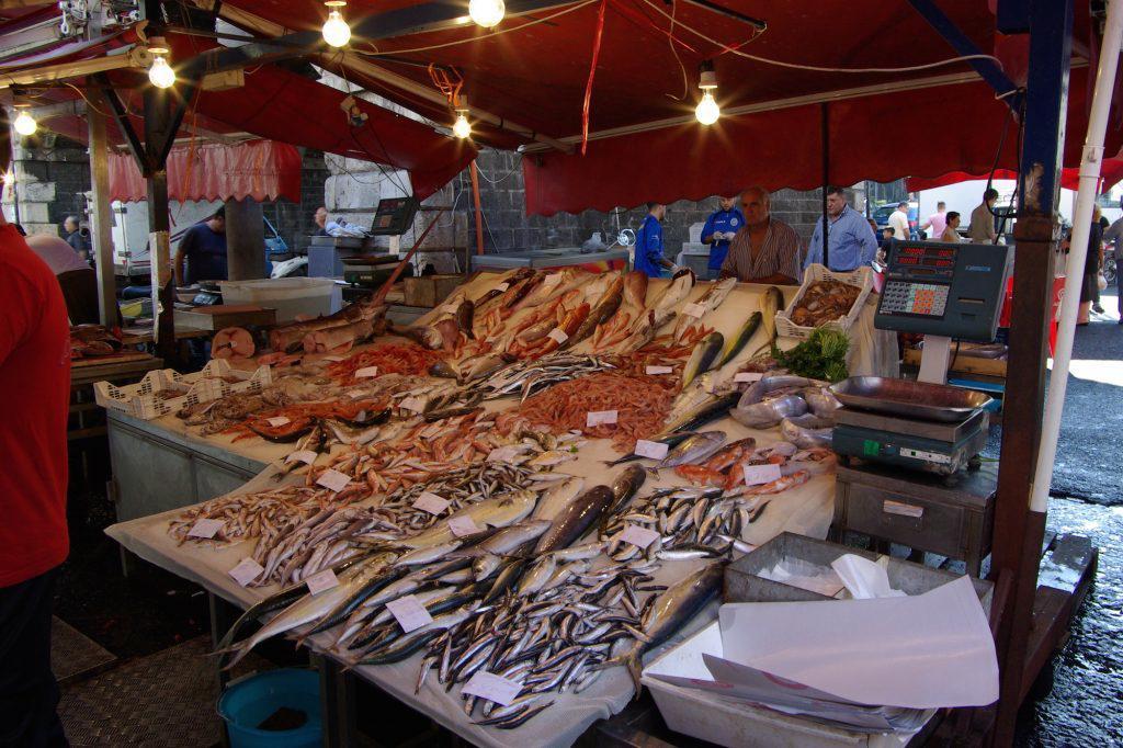 {{de Italien, Sizilien, Catania, Fischmarkt}} {{en Italy, Sicily, Catanaia,  fish market}}