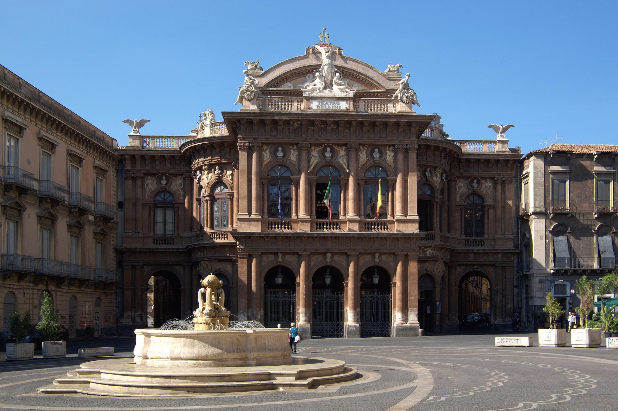 {{de|Italien, Sizilien, Catania, Teatro Bellini}} {{en|Italy, Sicily, Catanaia,  Teatro Bellini}}