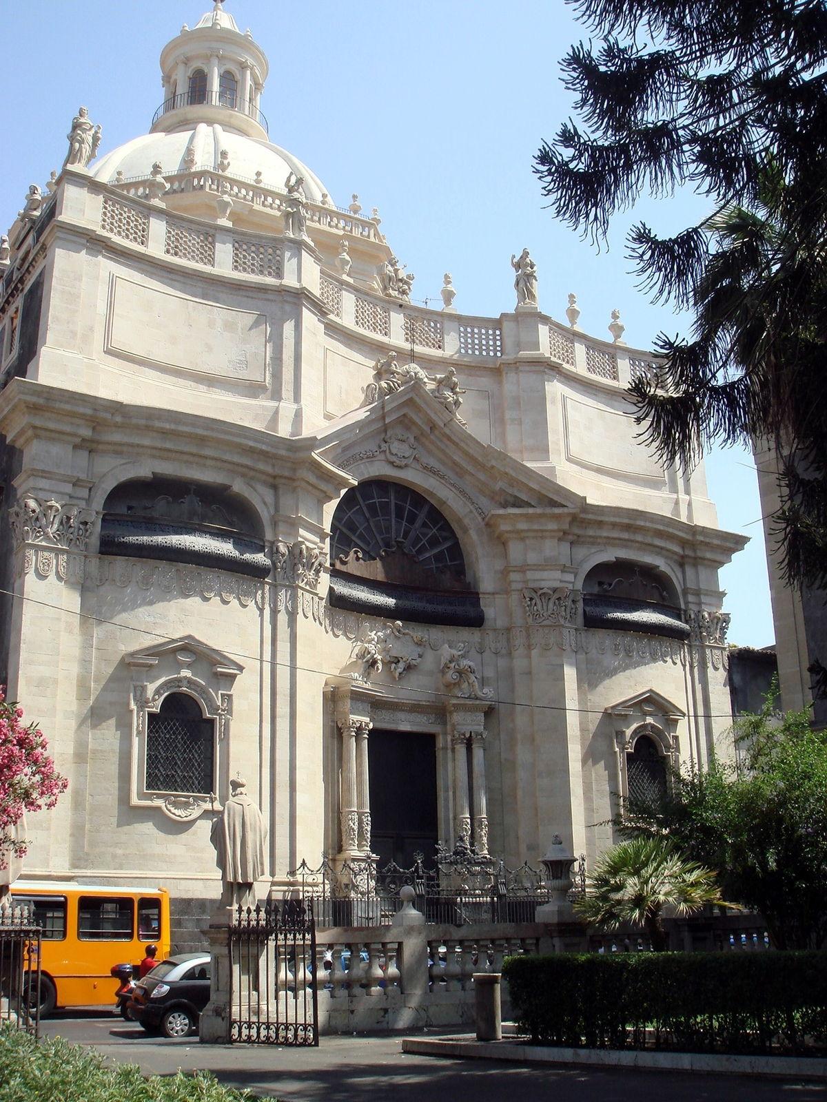 1200px-2895_-_Catania_-_Giov._Batt._Vaccarini_-_Chiesa_della_Badia_di_S._Agata_(1767)_-_Foto_Giovanni_Dall'Orto,_4-July-2008